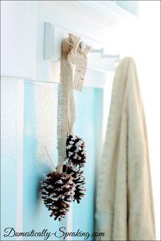How to make simple Christmas decor ~ epsom salt pine cone cluster