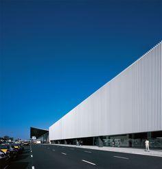Ramón Sanabria. Edificio Intermodal en el Aeropuerto de Barcelona. Fotografía: Aleix Bagué.    #tc_arquitectura #architecture_publication #spain_architecture