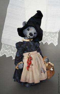 Love this little bear. Halloween Toys, Teddy Toys, Charlie Bears, My Teddy Bear, Boyds Bears, Love Bear, Bear Doll, Crochet Bear, Cute Bears