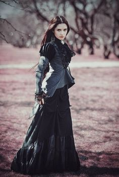 victorian-goth-models:  For more photos, visit our blog (click)
