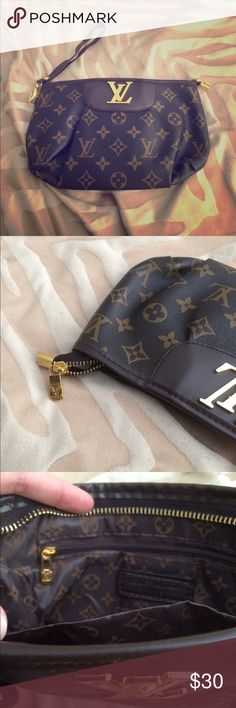 Inspired wristlet/bag Brand new elegant and classy! Louis Vuitton Bags Clutches & Wristlets