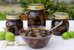 Dulceata de nuci verzi – reteta video Marmalade Jam, Pickling Cucumbers, Brownie Recipes, Preserves, Pickles, Stuffed Mushrooms, Easy Meals, Food And Drink, Cooking Recipes