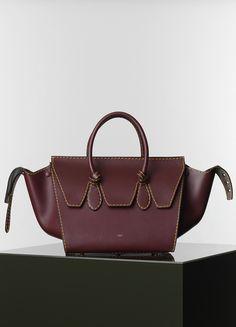 f2882c5466c8 37232cbaecff09c11becc23af257f9db--fashion-handbags-fashion-shoes.jpg