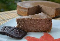 Tento jesenne ladený cheesecake plný gaštanov a čokolády určite dostane každého - aj teba! Tak si nájdi chvíľku a spríjemni si jesenný večer pečením. Cheesecake, Cornbread, Banana Bread, Food And Drink, Cooking Recipes, Sweets, Ethnic Recipes, Blog, Cakes