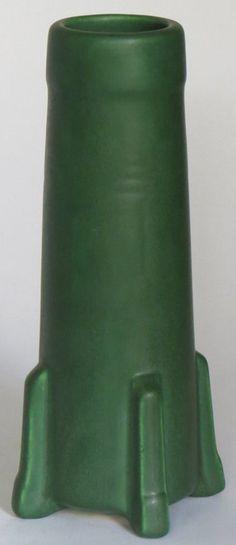 49 Best Owens Pottery Matte Green Images On Pinterest Green Vase