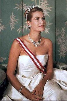 Crown and tiaras - Princess Grace of Monaco Cartier diamonds.jpg
