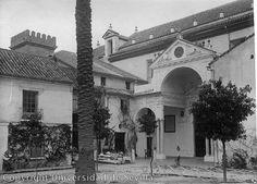 Patio de entrada a la Iglesia del antiguo Convento de santa Clara. 1924. Se divisa la torre de Don Fadrique.