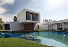 Casa Orquidea by Andrés Remy Architects.