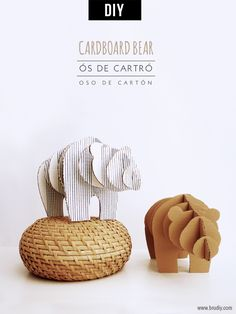 Looking to make something fun with all those cardboard boxes you have lying around waiting to be recycled? Well I've got tons of DIY cardboard crafts & upcycling ideas! Cardboard Animals, Cardboard Box Crafts, Cardboard Sculpture, Cardboard Furniture, Diy Décoration, Easy Diy Crafts, Diy Craft Projects, Craft Tutorials, Diy Paper