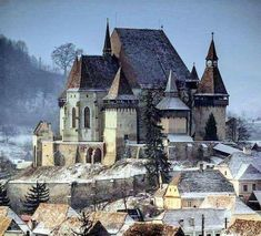 Biertan județul Sibiu  #domedia#castel #romania #sibiu #peisaje #peisajeromanesti Sibiu Romania, Places To See, The Good Place, To Go, Mansions, Country, House Styles, Building, Travel