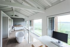 House EFFE-E, a recovery of an old country barn by Archiplan Studio - CAANdesign Grange Restaurant, Barn Renovation, Loft Studio, Country Barns, Storey Homes, Home Interior Design, Beautiful Homes, House Design, Modena Italy