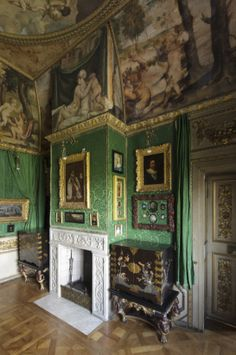 Ham House Green Closet with a pair of Chinoiserie Cabinents
