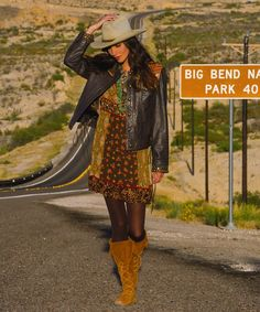 Fashion, accessories, boots, cowboy hats, jeans, jewelry, and western apparel | COWGIRL