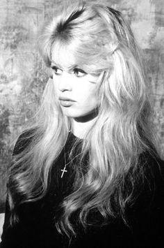 Moue rebelle de Brigitte Bardot #brigitte #bardot #brigittebardot
