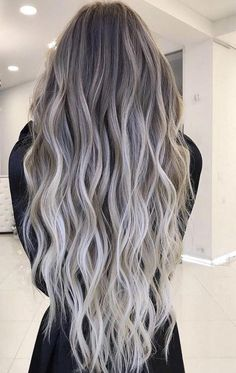 This post shares some popular and timeless blonde hair color ideas and hairstyles from ash blonde to honey blond and balayage. Brown Ombre Hair, Ombre Hair Color, Hair Color Balayage, Cool Hair Color, Hair Highlights, Balayage Hairstyle, Short Hair Styles Easy, Medium Hair Styles, Pelo Color Ceniza