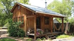 Workshops and Seminars in the Traditional Building Crafts. Small Log Cabin, Tiny Cabins, Tiny House Cabin, Cabins And Cottages, Tiny House Living, Shed Homes, Log Homes, Shed With Porch, Outdoor Storage Sheds