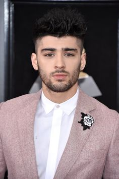 Zayn at the Grammy Awards tonight! Zayn Malik Style, Zayn Malik Photos, Foto Zayn Malik, Liam Payne, Nicole Scherzinger, Zayn Malik Wallpaper, Zany Malik, Rebecca Ferguson, One Direction Photos