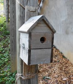 Pallet Recycling Projects:One Pallet At A Time, Pallet birdhouse- GREAT re-purpose idea.