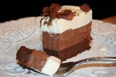 One of the most decadent chocolate cakes ever – Triple Chocolate Mousse Cake Triple Chocolate Mousse Cake, Decadent Chocolate Cake, Chocolate Desserts, Chocolate Heaven, Food Cakes, Cupcake Cakes, Cupcakes, Just Desserts, Delicious Desserts