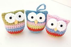 Owl amigurumi - Rebecca Homick on Ravelry Crochet Owls, Love Crochet, Crochet Motif, Diy Crochet, Crochet Patterns, Ravelry Crochet, Crochet Christmas Ornaments, Christmas Owls, Holiday Crochet