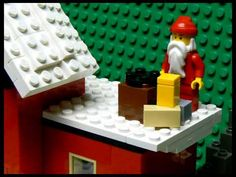 You have to watch this cute LEGO Christmas short - Trend lego Characters 2019 Lego Village, Lego Christmas, Brain Breaks, Triangle, Projects To Try, December, Creative, Lego Stuff, Cute