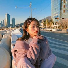Image may contain: 2 people, sky and outdoor Ulzzang Korean Girl, Cute Korean Girl, Smile Pictures, Solo Photo, Ulzzang Fashion, Asian Style, Cute Photos, Girly, Celebrities