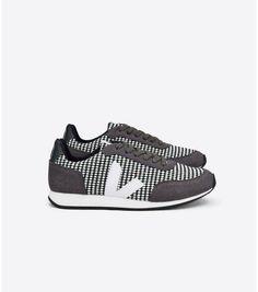 2c9d99a5f3 lieblingwebshop - Sneakers Arcade Bilbao