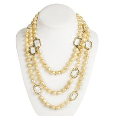 Chanel Pearl Chicklet Necklace Gripoix Glass Bead Gold Charm Sautoir Vintage - http://www.portero.com/