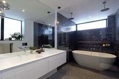 The judges were impressed with the different zones created by Darren and Dea in their bathroom.