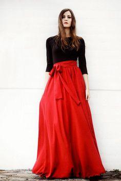 vestido largo de fiesta con falda rojo y top negro de arimoka