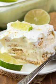 No Bake Key Lime Eclair. this easy no bake dessert layers graham crackers with key lime pudding. It tastes like an eclair without all the work! Easy Summer Desserts, Easy No Bake Desserts, Easy Baking Recipes, Delicious Desserts, Cooking Recipes, Yummy Food, Key Lime Desserts, Key Lime Dessert Recipes Easy, Trifle Desserts