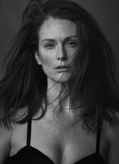 Julianne Moore / Photography by Peter Lindbergh / For Pirelli Calendar 2017 Peter Lindbergh, Julianne Moore, Robin Wright, Uma Thurman, Jessica Chastain, Nicole Kidman, Calendario Pirelli, Festival D'art, Beauty Skin