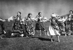 Hra na slepú babu, Slovakia Old Photos, Vintage Photos, Popular Costumes, Heart Of Europe, Old Photography, Folk Dance, Folk Costume, Film Stills, Eastern Europe