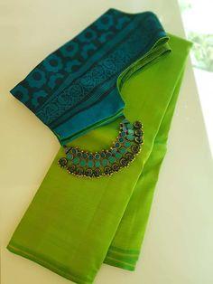 Trendy Sarees, Stylish Sarees, Fancy Sarees, Cotton Saree Blouse Designs, Fancy Blouse Designs, Blouse Patterns, Blue Silk Saree, Silk Cotton Sarees, Designer Silk Sarees