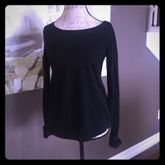 Steve Madden open back long sleeve top EUC Super cute, open back long sleeve black top by Steve Madden.  Has thumb holes with fold over sleeves for extra warmth if needed.  Only wore this top one time!  It's a little longer in the back than in the front. Steve Madden Tops Tees - Long Sleeve