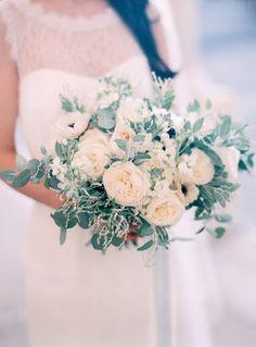 Wedding bouquet by Floraison wedding flower | wedding florist paris | roses and anemones | Photo by Le Secret d'Audrey