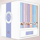 """""""Η μικρή βιβλιοθήκη του μωρού"""" περιλαμβάνει 8 βιβλιαράκια όπου μπορείτε να φυλάξετε όσα θέλετε να θυμάστε από τη γέννηση του μωρού σας και τα πρώτα του βήματα στον κόσμο."""