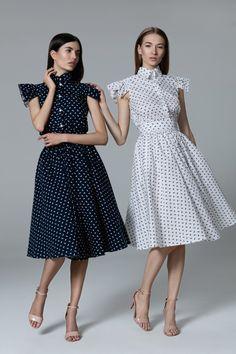 Платье «Клара» синее, Платье «Клара» белое,  Цена— 21990 руб.