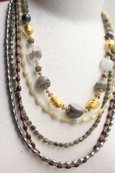 Accompagner un collier gris vénitien