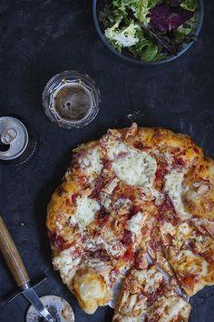 Pizza de masa ligera y larga fermentación Empanadas, Hawaiian Pizza, Vegetable Pizza, Cauliflower, Favorite Recipes, Bread, Vegetables, Desserts, Pizza Pizza