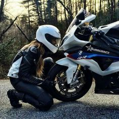 S1000RR & Laura Craft