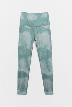 Tie Dye Leggings, Online Yoga, Simple Outfits, Dress Brands, Everyday Fashion, Lounge Wear, Anthropologie, Pajama Pants, Sweatpants