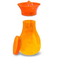 Karaf & citruspers  Description: Efficiënt en hygiënisch. Als u sinaasappels perst valt het sap rechtstreeks in de afsluitbare karaf. Lekker voor in de zomer om zelf vruchten- limonade te maken. De 10 liter karaf is gemaakt van onbreekbaar kunststof en is zonder de pers circa 20 cm. hoog.  Price: 8.99  Meer informatie