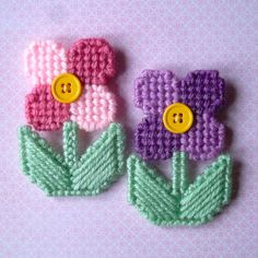 Plastic Canvas: Flower Magnets (set of 2) by ReadySetSewbyEvie on Etsy