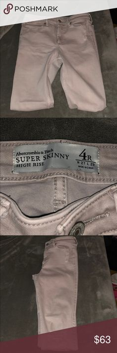 Abercrombie & Fitch Super Skinny High Rise Worn twice. Perfect condition. I love these but don't fit me anymore :( Abercrombie & Fitch Pants Skinny