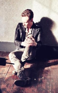 Tom Hiddleston being all super pensive and sexy and such.