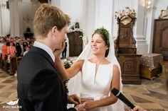 Hochzeit bei Münschen Kloster Scheflarn Wedding Dresses, Fashion, Engagement, Dress Wedding, Pictures, Bride Gowns, Wedding Gowns, Moda, La Mode