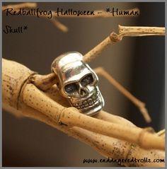Redbalifrog Human Skull
