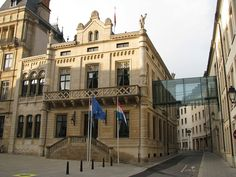 Hôtel de la Chambre, sede da Câmara dos Deputados de Luxemburgo. // Chamber of Deputies of Luxembourg ◆Luxemburgo – Wikipédia http://pt.wikipedia.org/wiki/Luxemburgo #Luxembourg