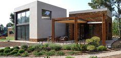 Vivienda y paisajismo en Casa Zakharov, Santa PonÇa, Calvià (Mallorca) realizados por CAÑAVERAL FONTES, ARQUITECTOS http://www.jardindeplantas.com/portada/2015-04-20